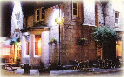 Ravelston house